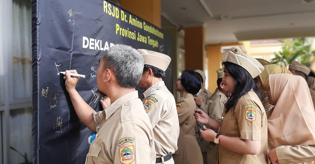 Penandatanganan Pegawai Untuk Mewujudkan RSJD Dr. Amino Gondohutomo Provinsi Jawa Tengah Sebagai Wilayah Birokrasi Bersih Melayani (WBBM)