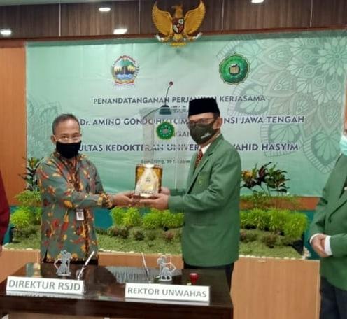 Penandatanganan Perjanjian Kerjasama antara RSJD Dr. Amino Gondohutomo Dengan Fakultas Kedokteran Universitas Wahid Hasyim