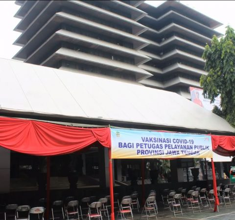 Vaksinasi COVID-19 bagi Pelayan Publik di lingkungan Pemerintah Provinsi Jawa Tengah